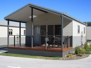 Bowlo Holiday Cabins - Coogee Beach Accommodation