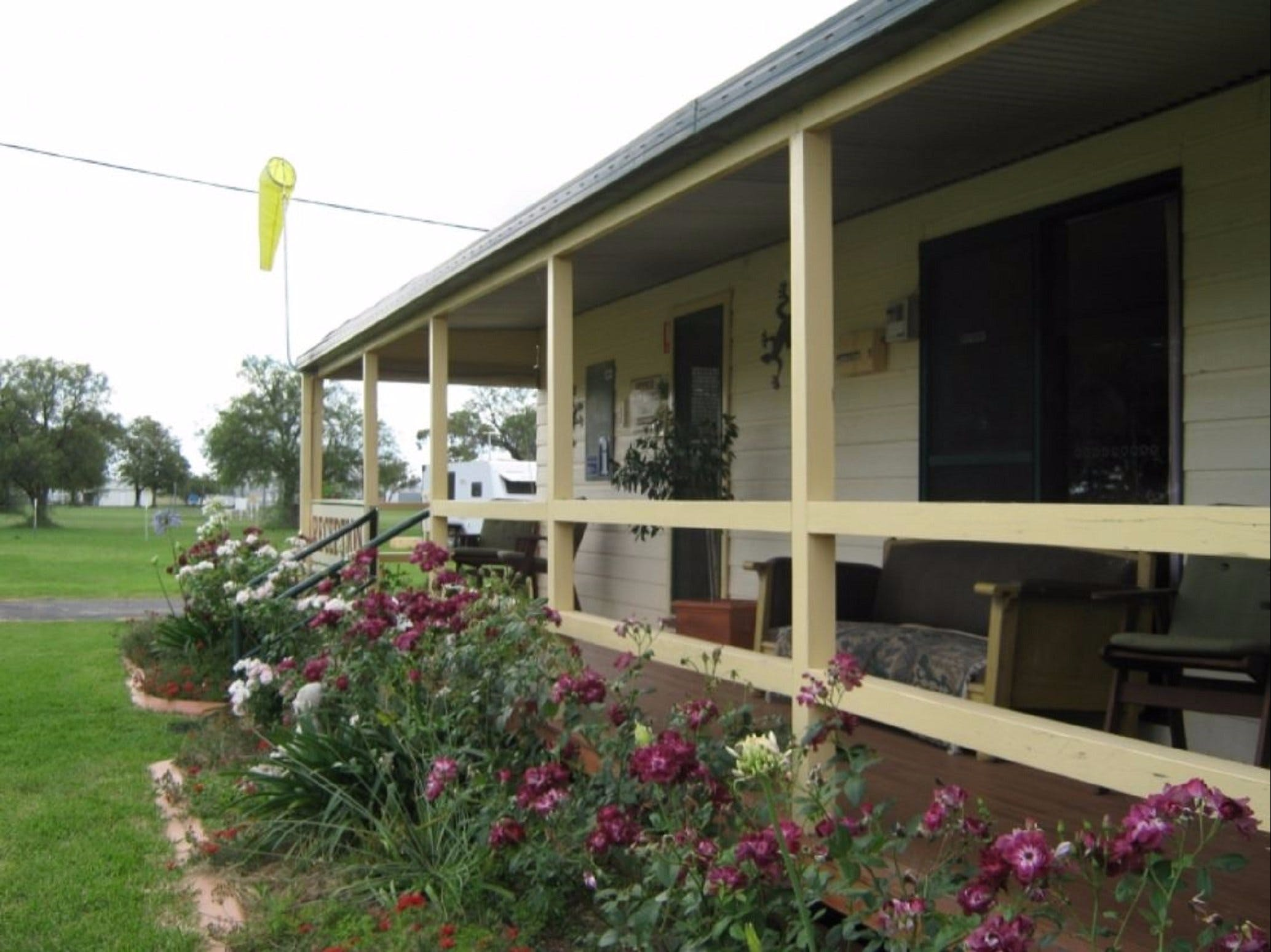 Narromine Aerodrome Tourist Park and Motel - Coogee Beach Accommodation