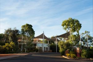 Sails in the Desert - Coogee Beach Accommodation