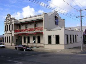 Mitchell River Tavern - Coogee Beach Accommodation